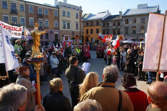 Przeglądasz zdjęcia z galerii: Marsz dla Jezusa Króla Polski, Lublin 2010