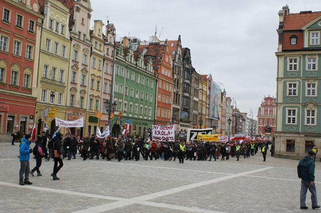 Przeglądasz zdjęcia z galerii: Marsz dla Jezusa Króla Polski, Wrocław 2011