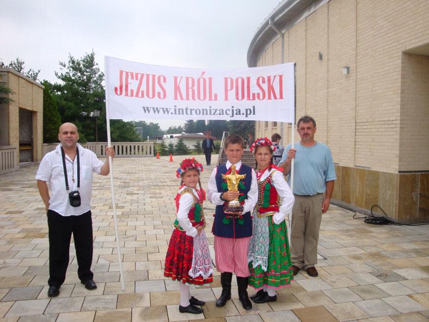 Przeglądasz zdjęcia z galerii: Pielgrzymka Polonii w USA do Amerykańskiej Częstochowy, 2008